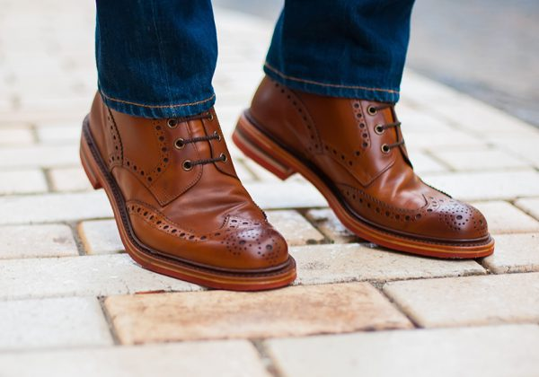 men-brown-shoes-style